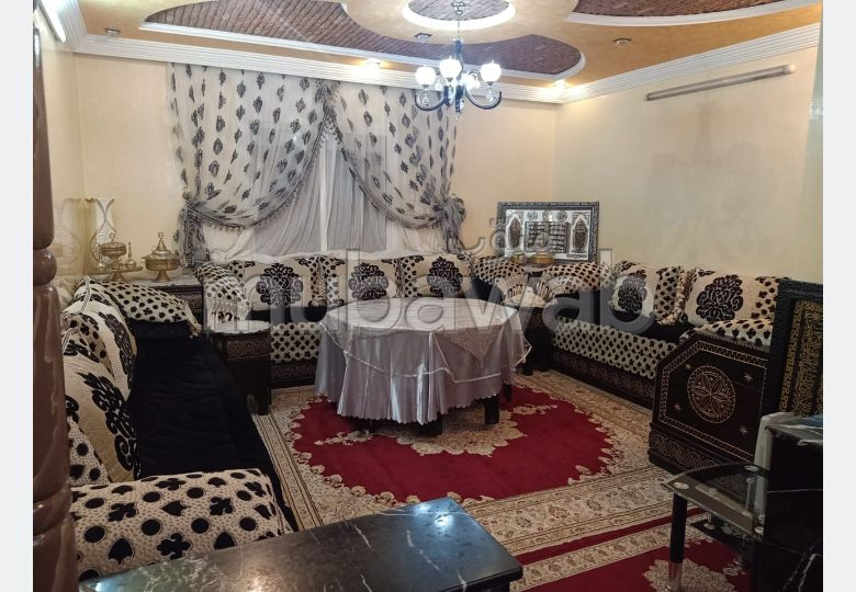 Appartement à l'achat à Essaouira. 2 belles chambres. Salon Marocain et antenne parabolique.