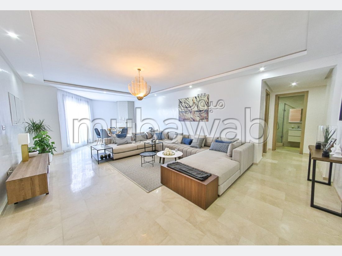 Apartment for sale. Dimension 125 m². Integrated air conditioning.
