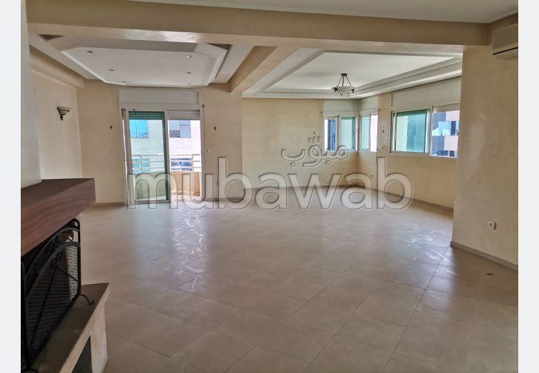 Precioso piso en alquiler. Superficie 140.0 m². Bodega, gran terraza.