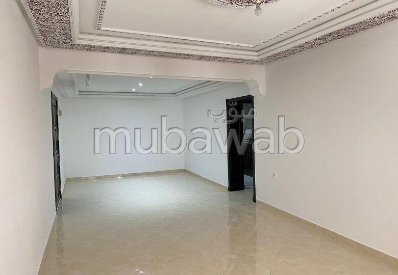 Superbe appartement à vendre à Tanger. Surface totale 92.0 m². Jardin.