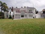 منزل ممتاز للبيع بأنفا. 4 غرف. حديقة ومرآب.