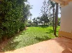 Flat for rent in Jbel Kbir. 5 Rooms. Secured door, furnished Moroccan living room.