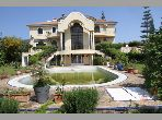 Fabulous villa for rent in Du Golf. 5 Small bedroom. All comforts with swimming pool and fireplace.