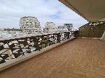 شقة رائعة للإيجار ب الحي المالي للدار البيضاء. 2 غرف جميلة. شرفة جميلة وحديقة.