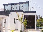 Beaux bureaux à louer à Rabat. Surface totale 400.0 m². Terrasse et jardin.