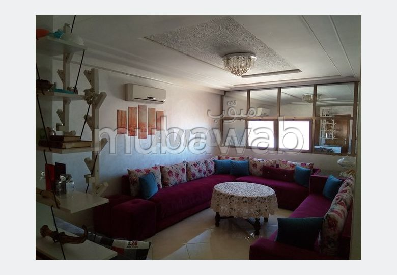 شقة للبيع بالقنيطرة. المساحة الإجمالية 72 م². موقف السيارات وشرفة.