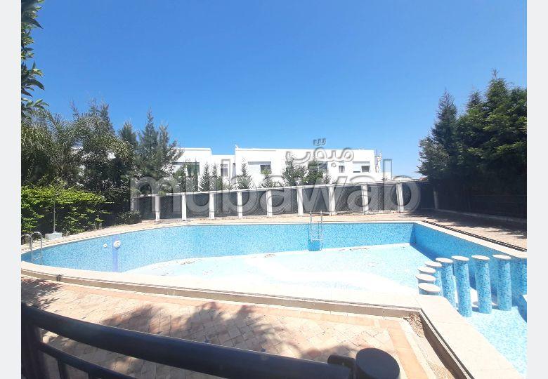 Villa Meublé à Louer Avec Jardin et Piscine Golf