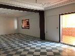 شقة للبيع بطنجة. 3 غرف جميلة. مع المرآب والمصعد.
