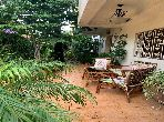 High quality house for sale. Area 320.0 m². Garden and garage.