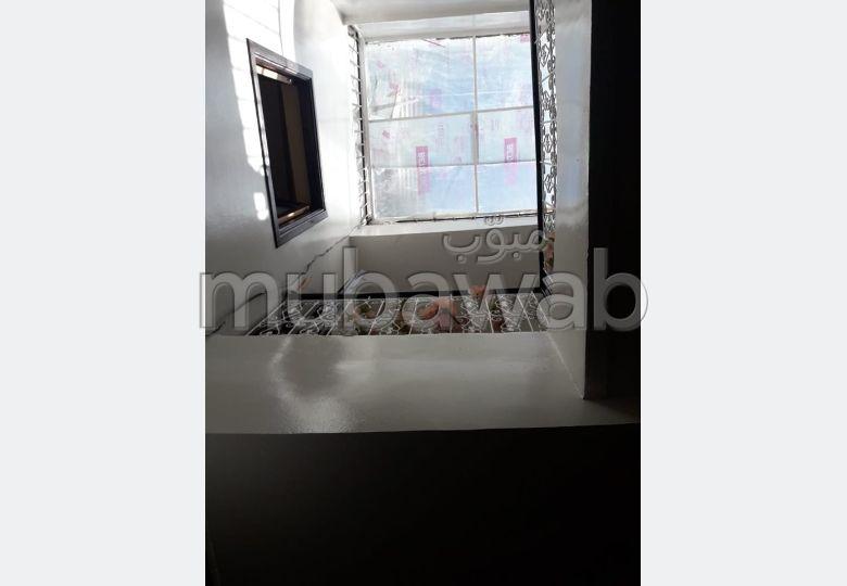 Trouvez votre maison à acheter à Marrakech. Superficie 45.0 m². Antenne parabolique et sécurité.