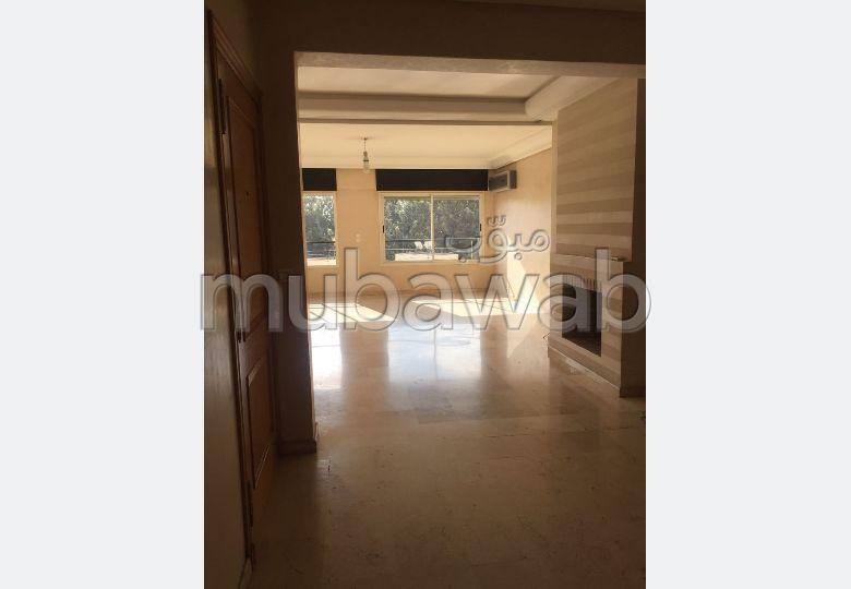 شقة للكراء ب ريفييرا. المساحة الإجمالية 130.0 م². موقف سيارات ومصعد.