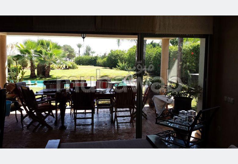 Lujosa villa en alquiler. Superficie 4000.0 m². Amueblada.