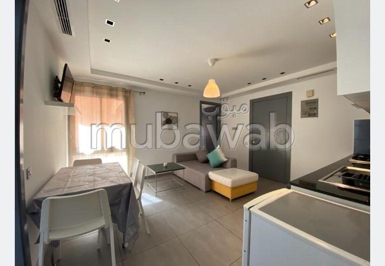 شقة جميلة للكراء بمراكش. المساحة الإجمالية 48 م². مصعد وأماكن وقوف السيارات.