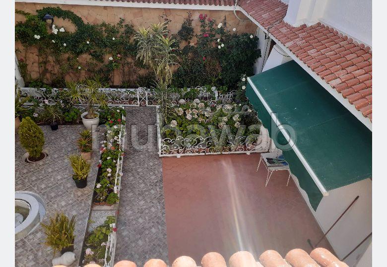منزل رائع للكراء بطنجة. 4 قطع مريحة. شرفة وحديقة.