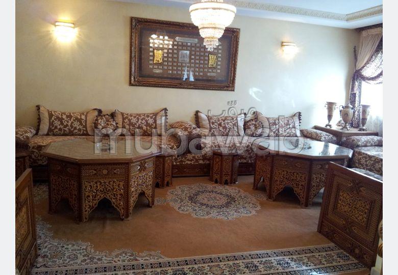 Pisos en alquiler. Area 175 m². con muebles.