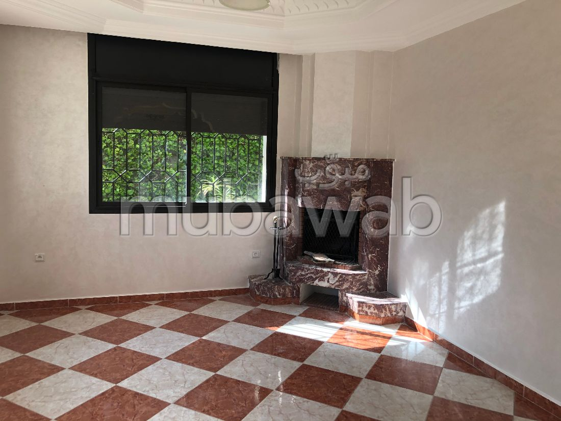 Magnifique villa à louer à Riyad. 3 belles chambres. Cheminée et climatisation