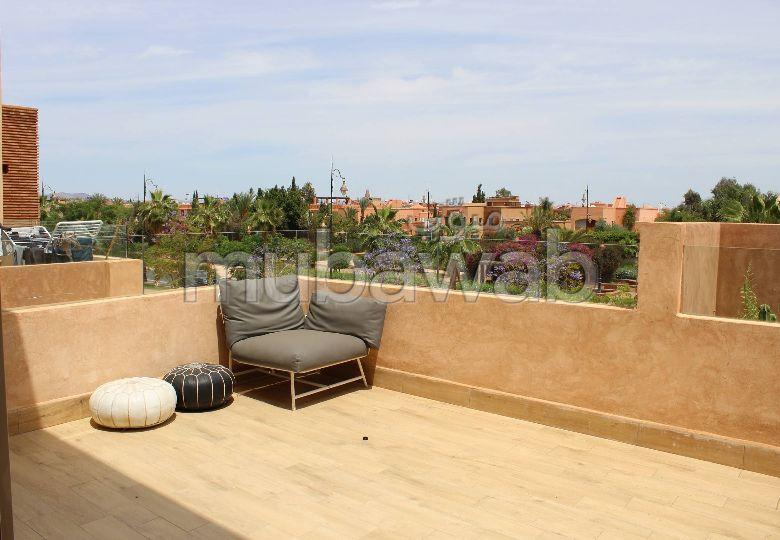 Bonito piso en alquiler. 3 Salas. Sin Ascensor, balcón.