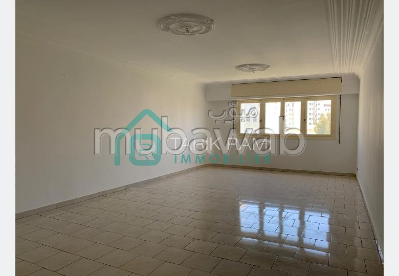 Very nice apartment for rent. Large area 100.0 m².