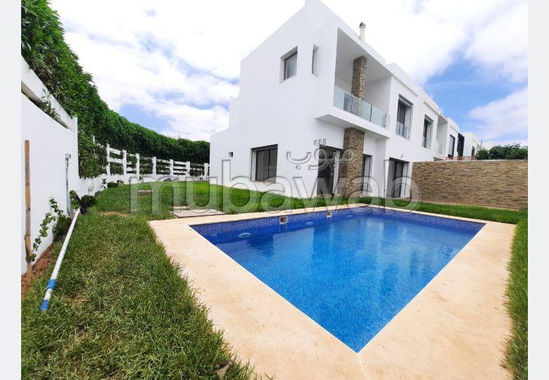 Luxueuse Villa à louer avec piscine