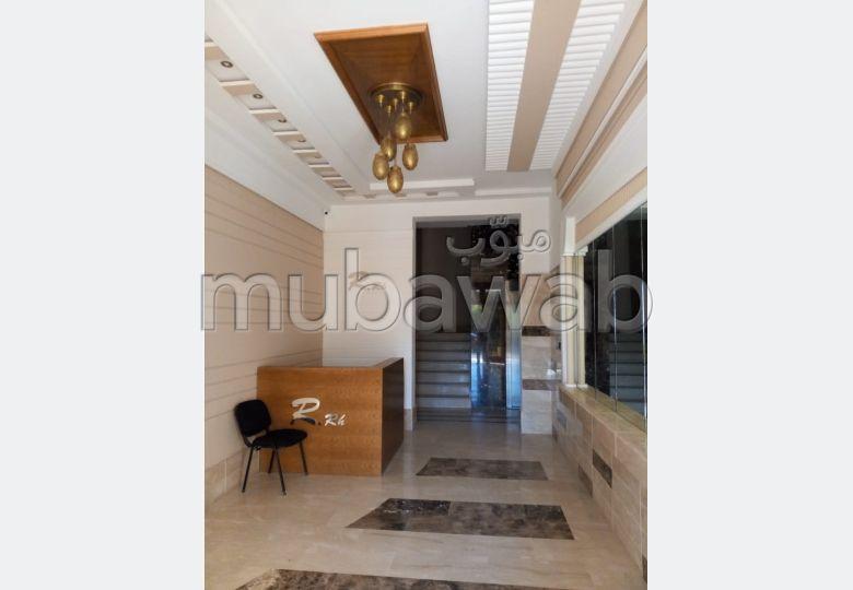 Bonito piso en venta. 2 habitaciones grandes.
