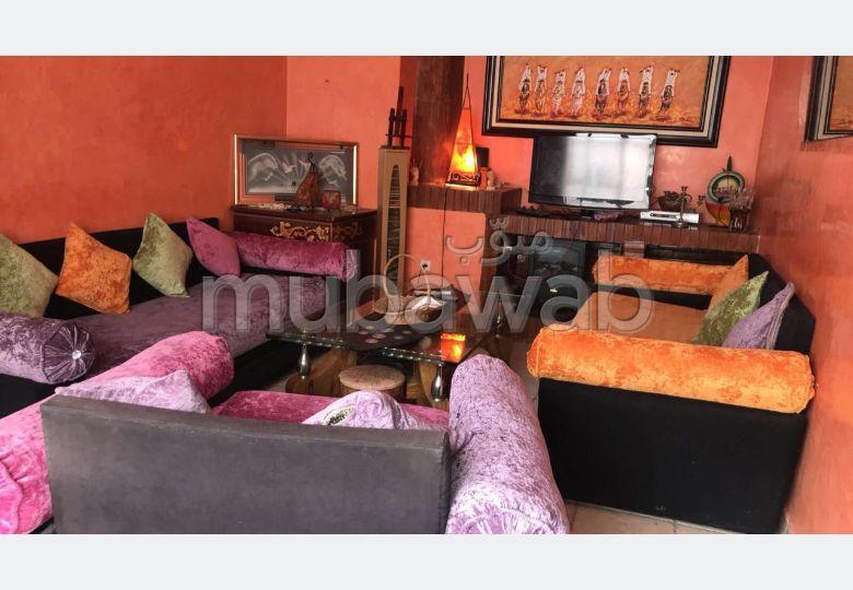 Appartement de vacances à louer à Rabat. Surface de 80.0 m². Salon traditionnel et système d'antenne parabolique
