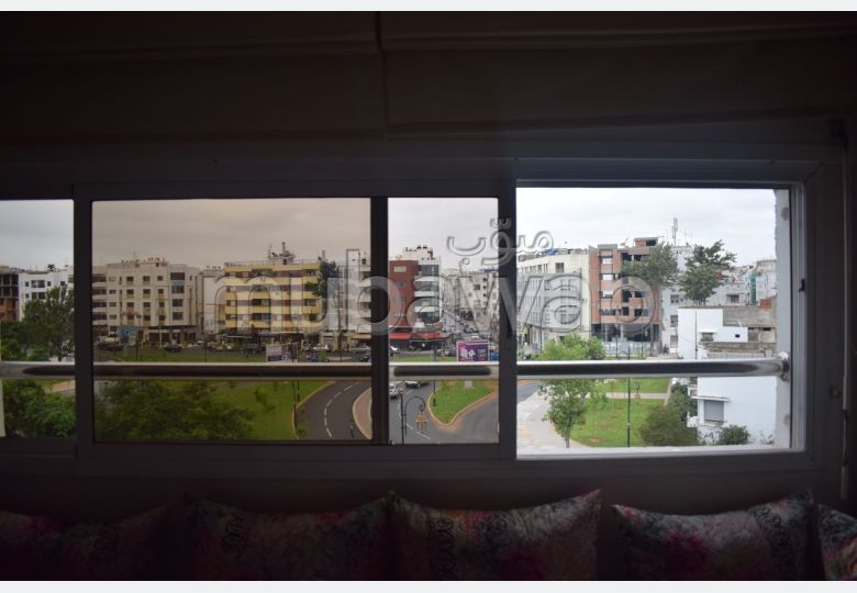 Vend appartement à Agdal. 3 chambres agréables. Antenne parabolique, résidence sécurisée