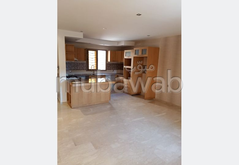 Rent an apartment in Assif. 2 beautiful rooms. View of the mountains and reinforced door.