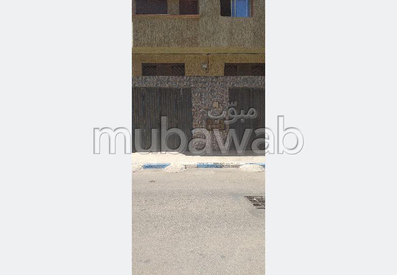 Louez le local idéal à Mohammedia. Surface totale 120.0 m². Garage