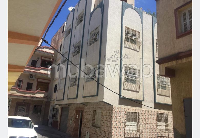 Nous avons deux appartement a vendre de 80.m2.1em et 3quel est troisieme etage.F CENTRE  DRISSIA