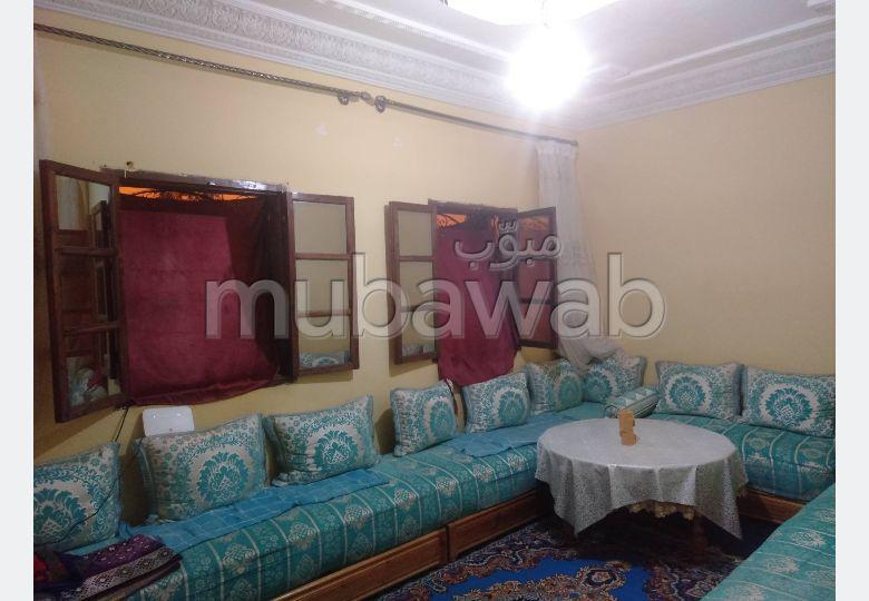Très belle maison en vente à Marrakech. 7 grandes pièces.
