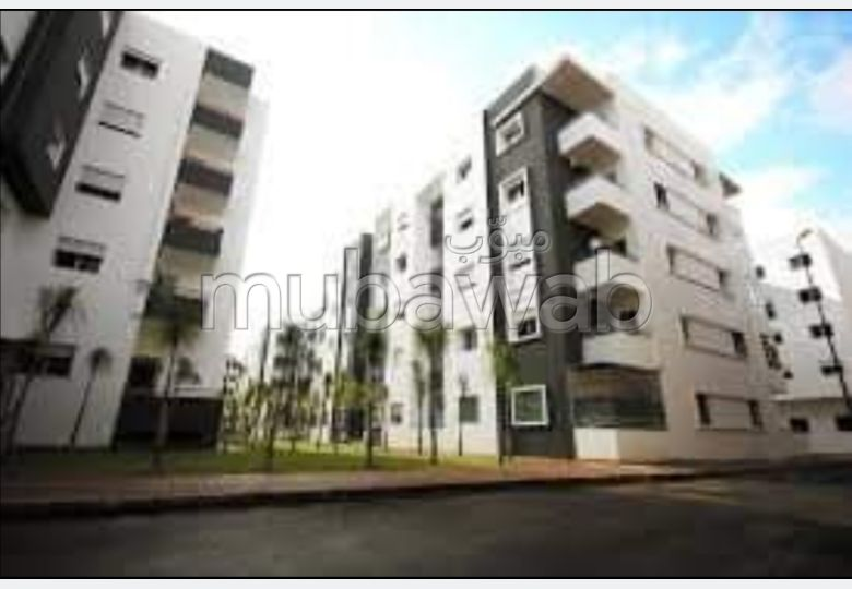 Find an apartment to buy. Area of 65.0 m².