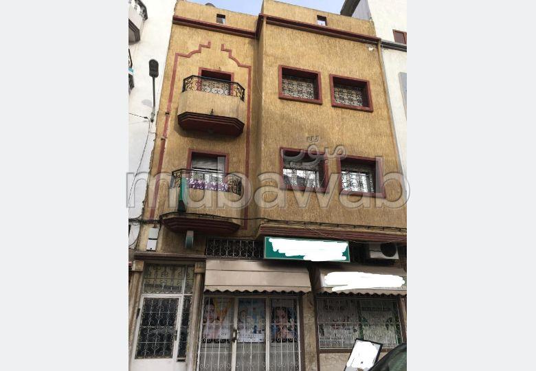Maison à la vente à Casablanca. 8 grandes pièces