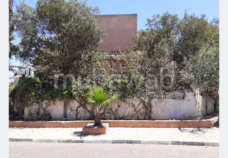 Vente maison à Casablanca. 4 chambres agréables. Places de stationnement et terrasse