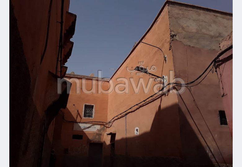 شقة رائعة للبيع بمراكش. 8 قطع. صالون مغربي