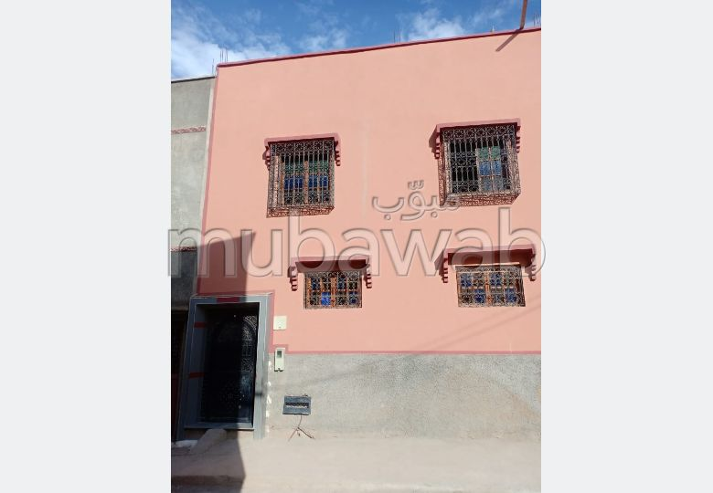 Home to buy in Agdal. 3 Small room.