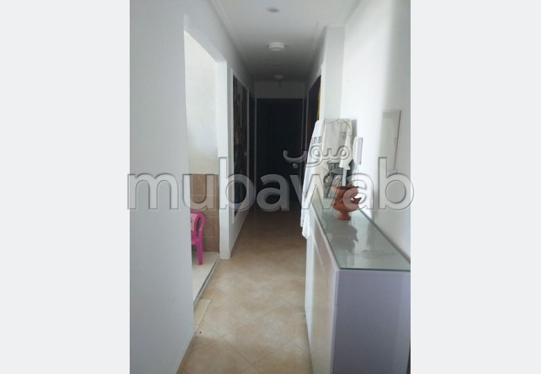 Sell apartment. 2 rooms. Traditional living room, Secured residence.