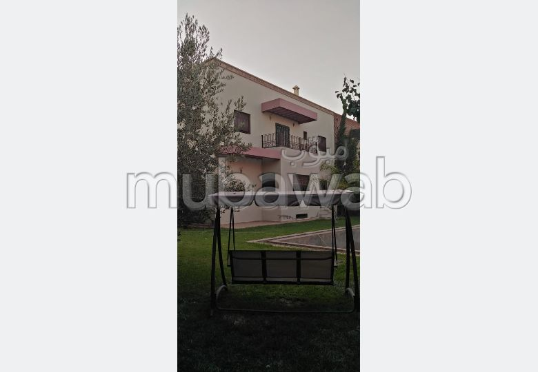 High quality villa rental. 6 Hall. Traditional Moroccan living room, secured residence.