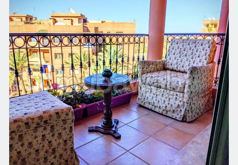 Appartement beau, calme et luxueux avec piscine