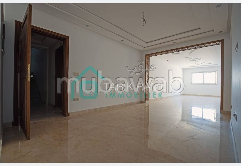 Apartment for sale. Dimension 136.0 m². Double glazed window.