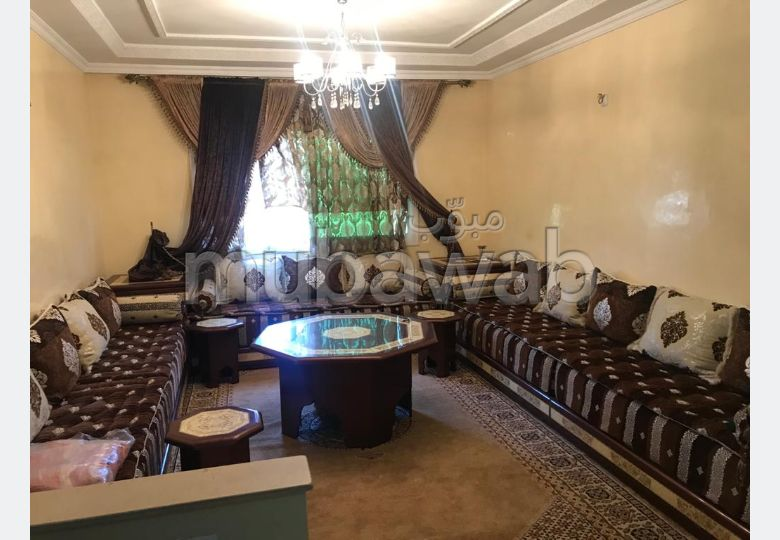Sell apartment. Surface area 117 m². Equipped kitchen.