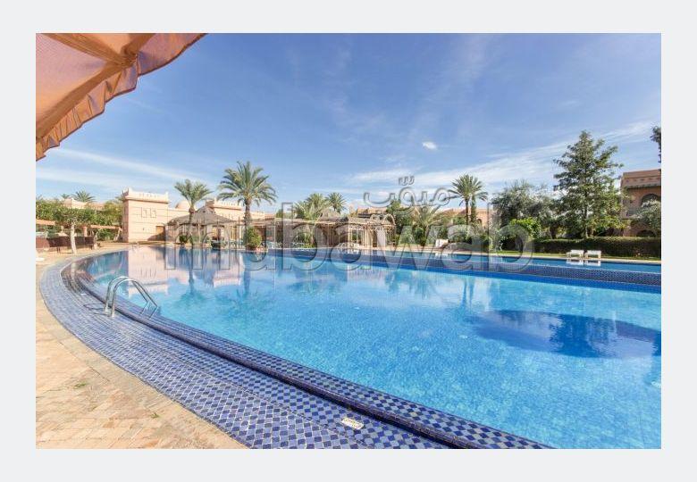 شقة للبيع بمراكش. 3 قطع رائعة. الراحة الكاملة مع حمام سباحة ومدفأة.