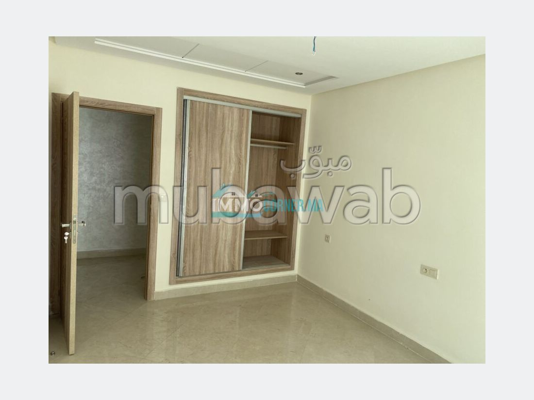 Find an apartment to buy in De La Plage. Large area 124 m². With Lift, Balcony.