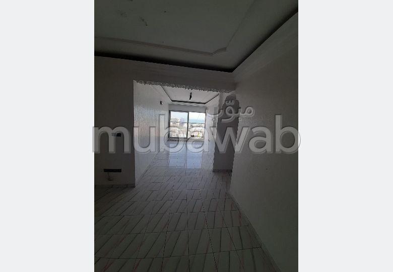 شقة جميلة للبيع ب درب لوبيلا. المساحة الكلية 87.0 م². مصعد متوفر.