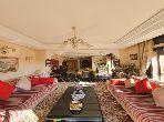 Très bel appartement en location à Guéliz. 2 chambres. Belle terrasse et jardin