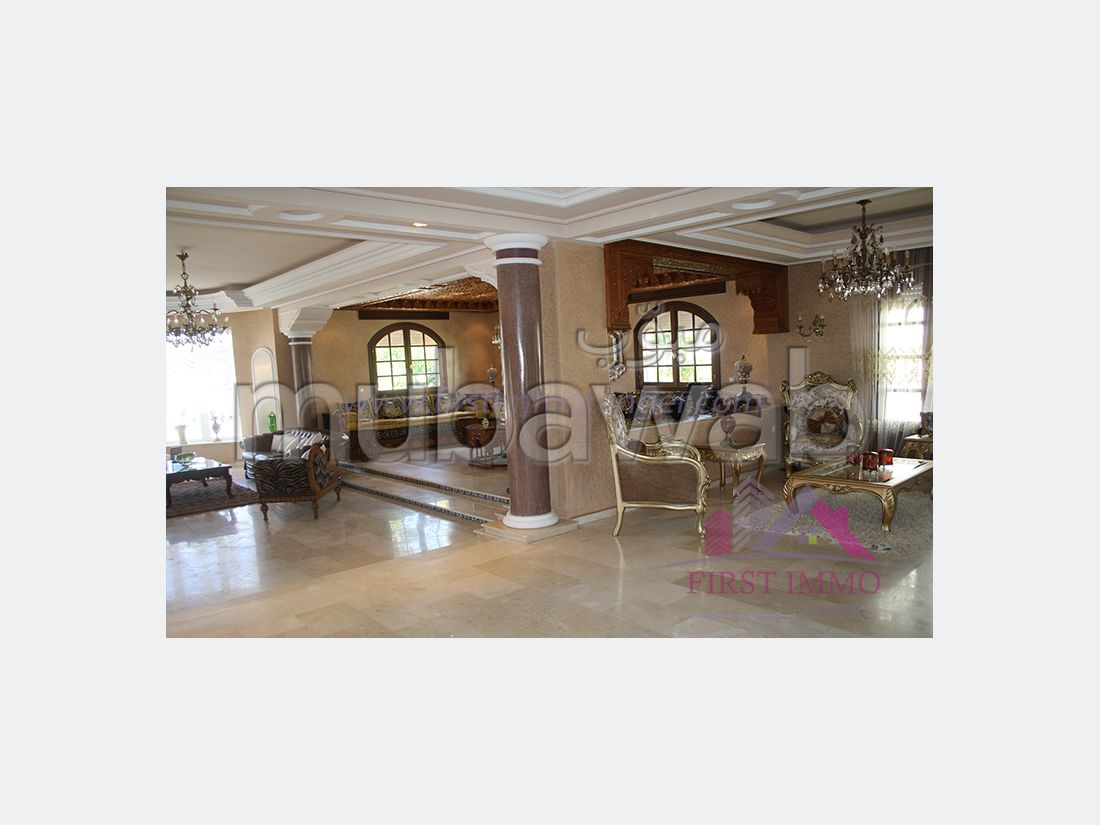 Luxury villa for rent. 12 Cabinet. Furnished.