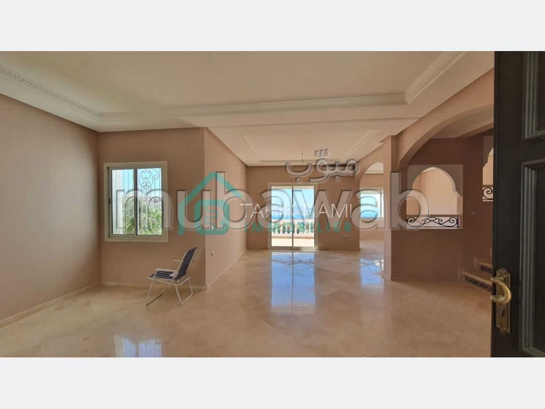 High quality house for sale. Large area 170 m². Garden.