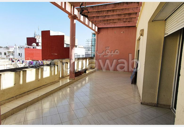 Very nice apartment for rent. Small area 123.0 m². Satellite dish system and Moroccan living room.