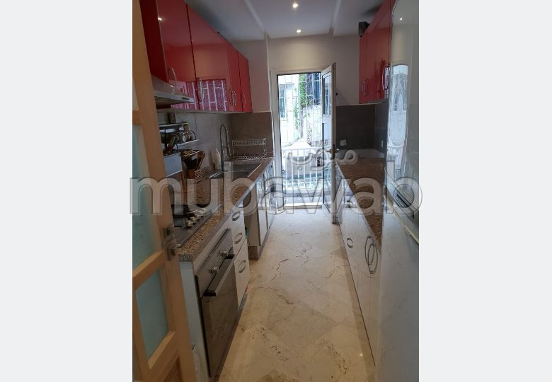 Apartments for rent in Maârif. 2 large rooms. Fully furnished.