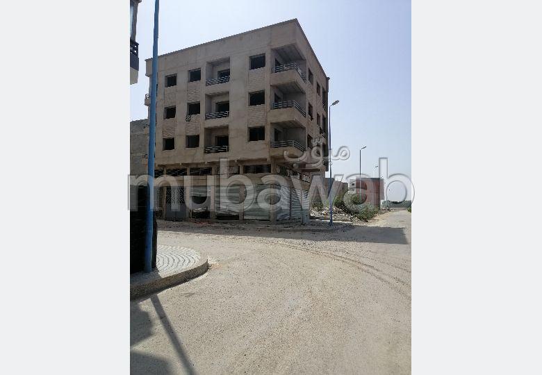 Trouvez votre maison à acheter à Ahl Loghlam (Hay Assalam). 18 belles chambres.