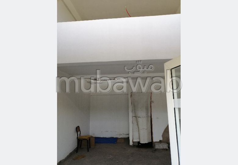 مكاتب ومحلات للبيع ب اهل الغلام. المساحة الكلية 28.0 م²